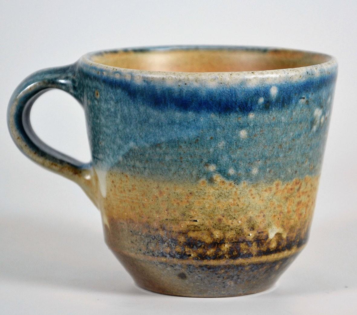 große blaue steinzeug cappuccinotasse für kaffeerösterei