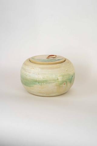 weiße Keramikdose